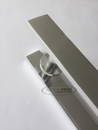 http://www.metalfinoacabamentos.com.br/view/_upload/produto/119/155024670640cm---03.jpg
