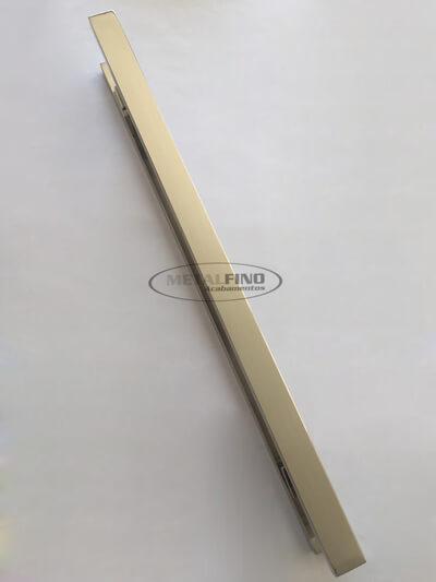 http://www.metalfinoacabamentos.com.br/view/_upload/produto/188/155449151780cm---2---barra-40x20.jpg