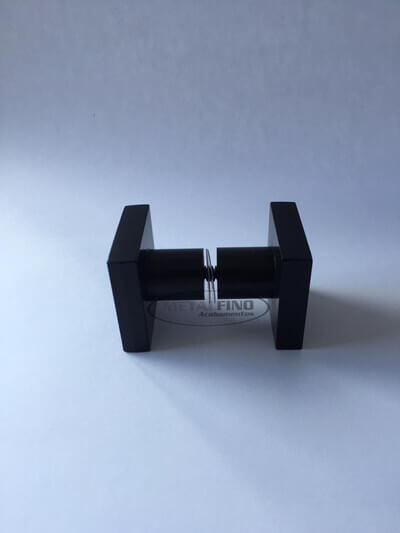 http://www.metalfinoacabamentos.com.br/view/_upload/produto/214/1589562103preto-02.jpg