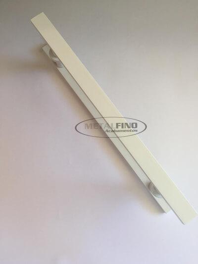 http://www.metalfinoacabamentos.com.br/view/_upload/produto/68/154833468240cm---02.jpg
