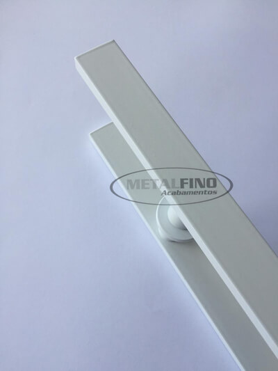 http://www.metalfinoacabamentos.com.br/view/_upload/produto/79/154843196360cm---03.jpg
