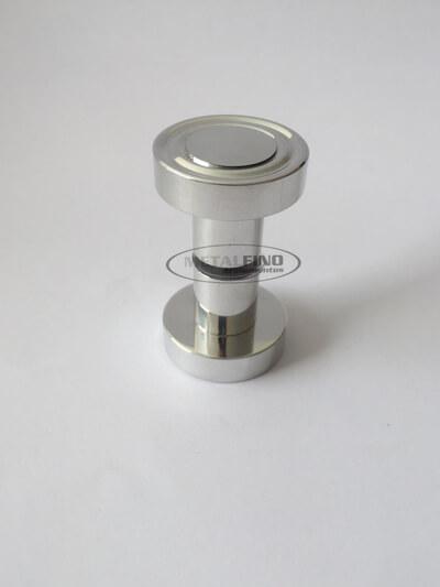 http://www.metalfinoacabamentos.com.br/view/_upload/produto/93/15486938651__-e-meia-03.jpg