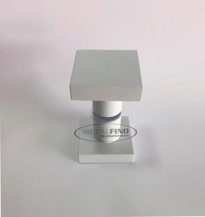http://www.metalfinoacabamentos.com.br/view/_upload/produto/99/15895617046.jpg
